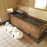 二股らぢうむ温泉男性用浴室洗い場
