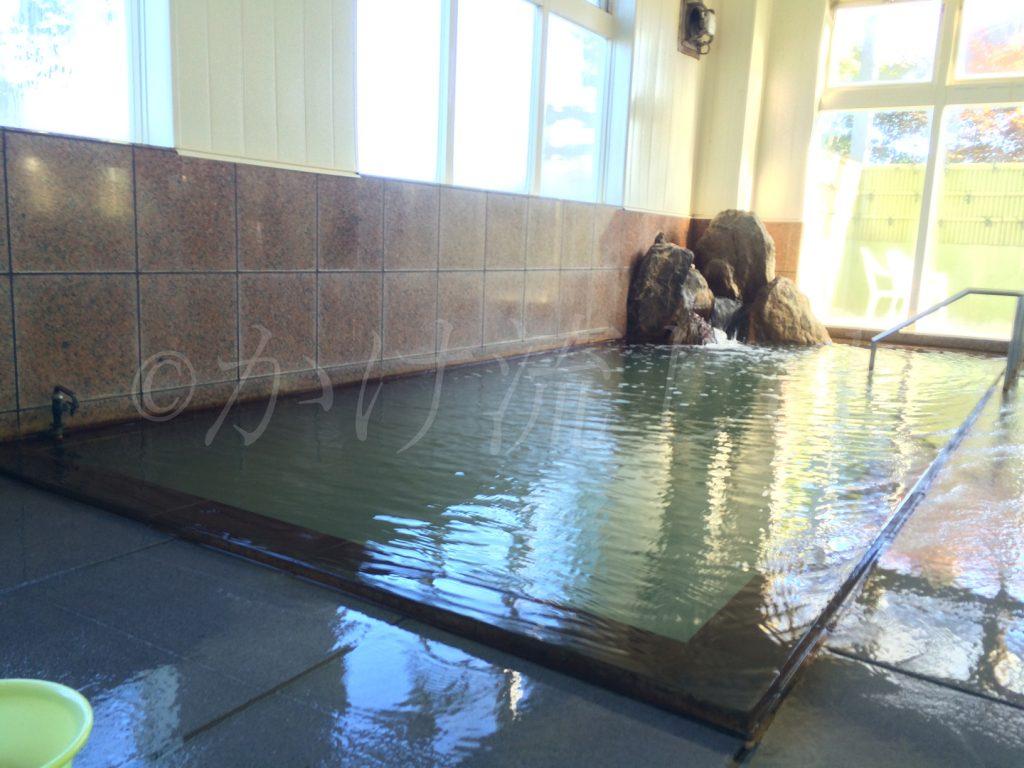 和(やわらぎ)の湯男性用浴槽