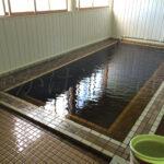 100円温泉(青森県黒部市)男性浴槽
