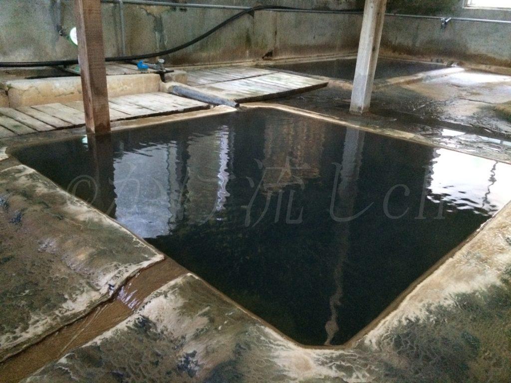 濁川温泉新栄館混浴風呂『菊の湯』浴槽-1