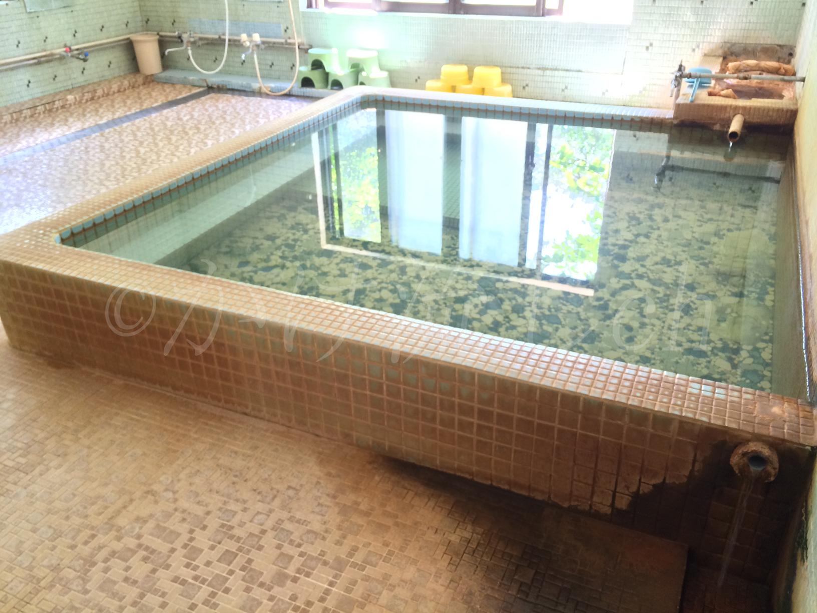 鹿部温泉公衆浴場亀の湯男性用浴槽